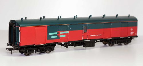 Bachmann 39-201 BR Mk1Full Brake Super BG Royal Mail